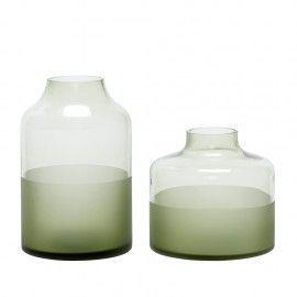 Jarrón de cristal verde.