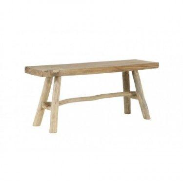 Banco rústico de madera natural.