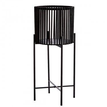 Macetero de bambú negro.