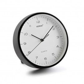 Reloj despertador negro.