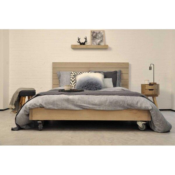 Base de cama en madera natural con ruedas dos ruedas - Cama dosel madera ...
