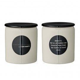 Tarro de cerámica blanco y negro.