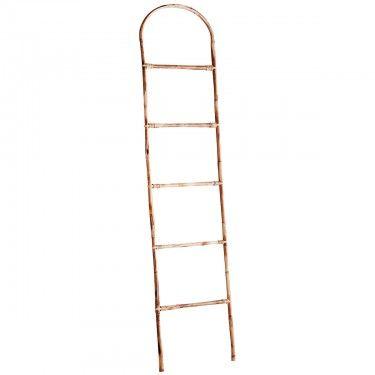 Escalera decorativa de bambú.