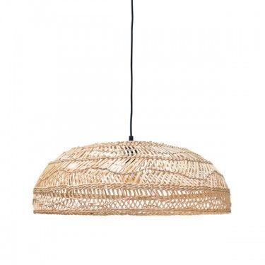 Lámpara de techo de ratán.
