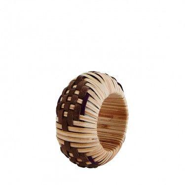 Servilletero de bambú.