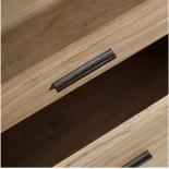 Mesita natural de madera.