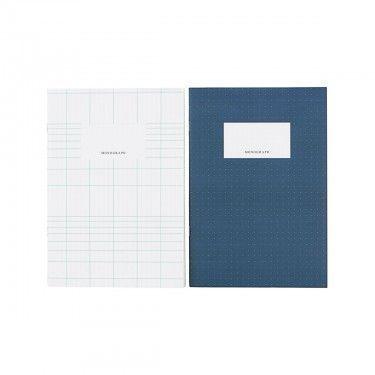 Cuaderno A5. varios colores.