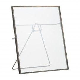 Marco de fotos cristal con borde metálico grande.