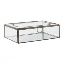 Caja de cristal y metal con motivo octogonal.