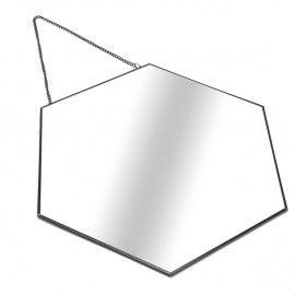 Espejo hexagonal negro con cadena.