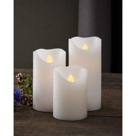 Set saga 3 velas de cera con bombilla LED.
