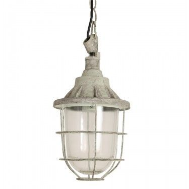 Lámpara de techo industrial envejecida.