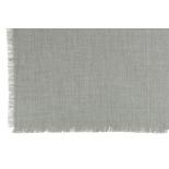 Plaid deshilachado gris.