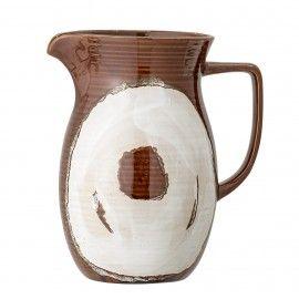 Jarra de cerámica marrón con dibujo. D: 13x21cm.