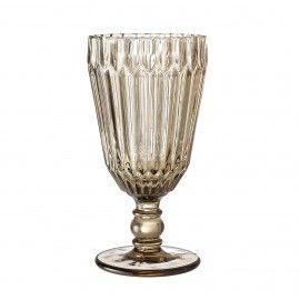Copa de vino en cristal marrón. D: 8x16cm