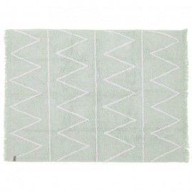 Alfombra mint con zigzag blanco y flecos. 120 x 160 cm.