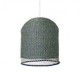 Lámpara de papel trenzado verde con borde azul.