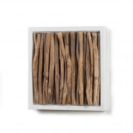 Panel mural con ramas de madera natural en relieve.