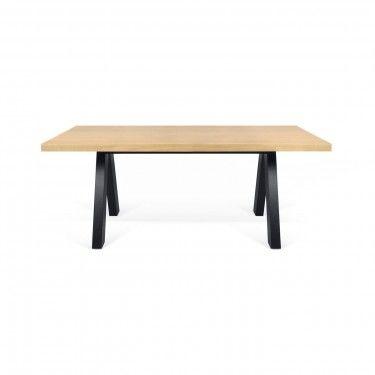 Mesa de comedor con sobre acabado roble y patas acabado negro puro