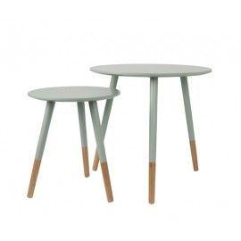 Set 2 mesas de madera de bambú.