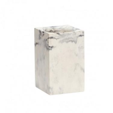 Portalápices cemento blanco.