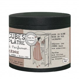 Cubos perfumados con esencia de cedro.