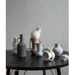 Jarra cerámica negra.