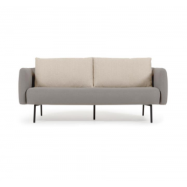 Sofá Walkyria 3 plazas gris con cojines beige y patas de metal con acabado pintado negro