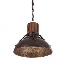 Lámpara de techo industrial de hierro combinado con madera.
