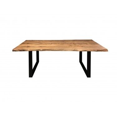 Mesa de madera maciza de castaño.