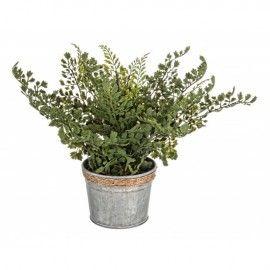 Planta artificial de perejil.