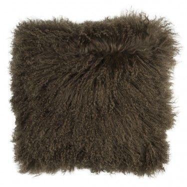 Cojín marrón de pelo de mongolia.