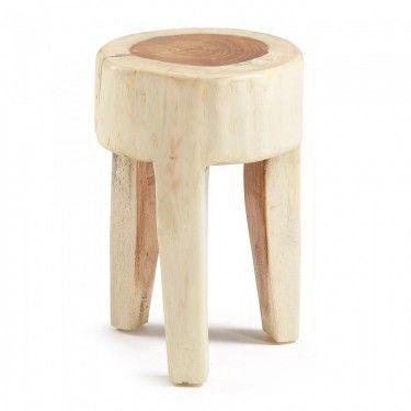 Reposapiés con patas en madera.